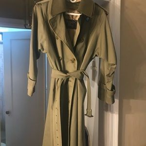 Gorgeous Vintage Burberry Trench HUGE SALE